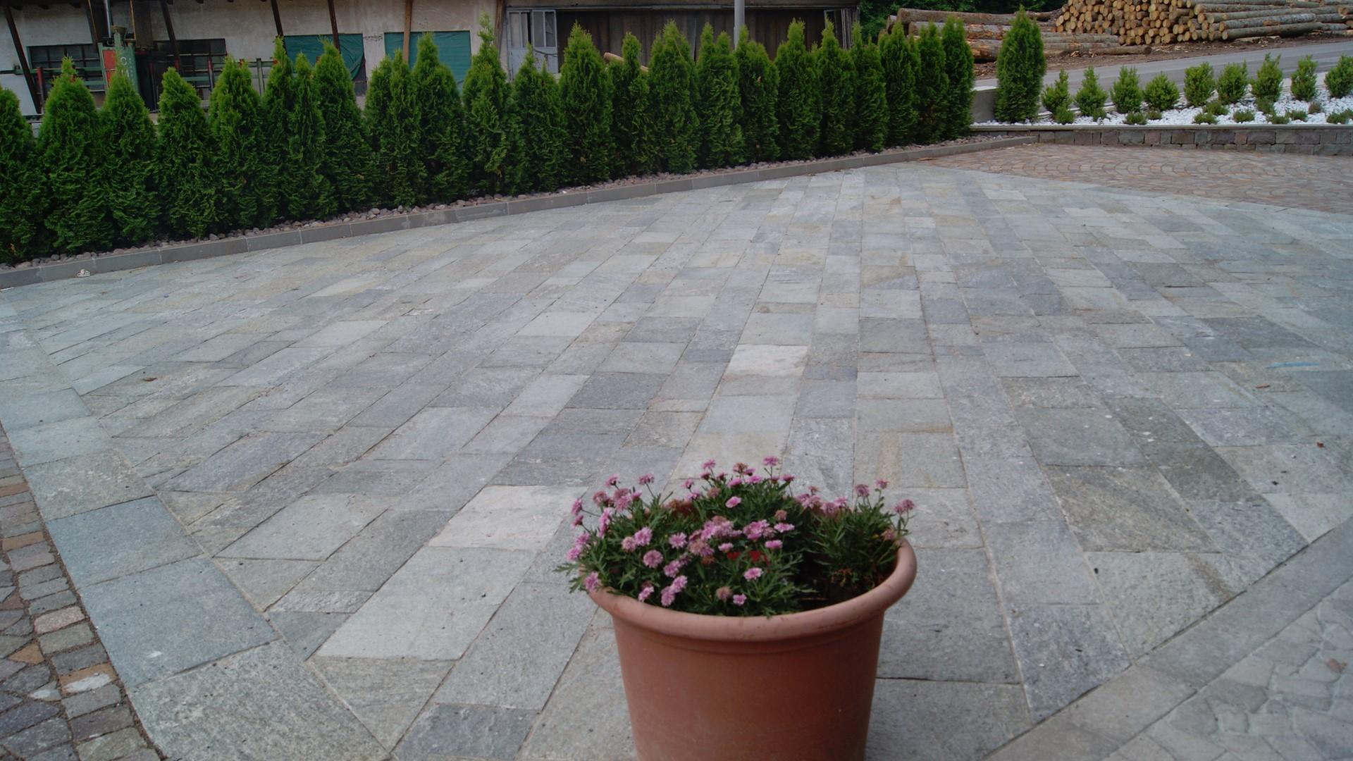 Pavimento In Pietra Di Luserna : Pavimenti pietra naturale bergamo pietranova