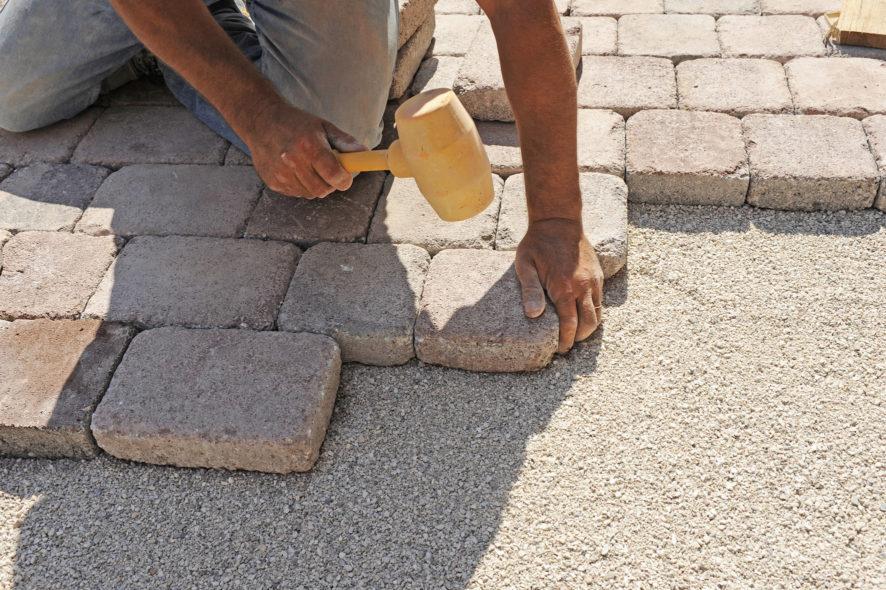 lavorazione-pavimento-e1584353782873